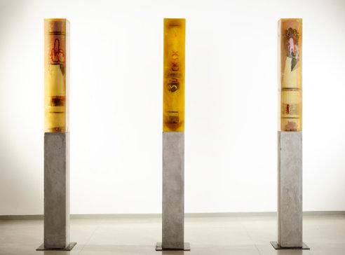 2004/2008, olej na plátně, pryskyřice, beton, výška 200 cm