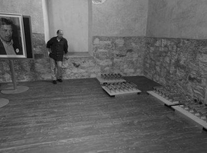 Instalace v duchovním centru Pražská křížovatka, srpen 2016